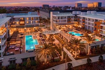 Rent Luxury Apartments In Orange County Verified Listings Rentcafe